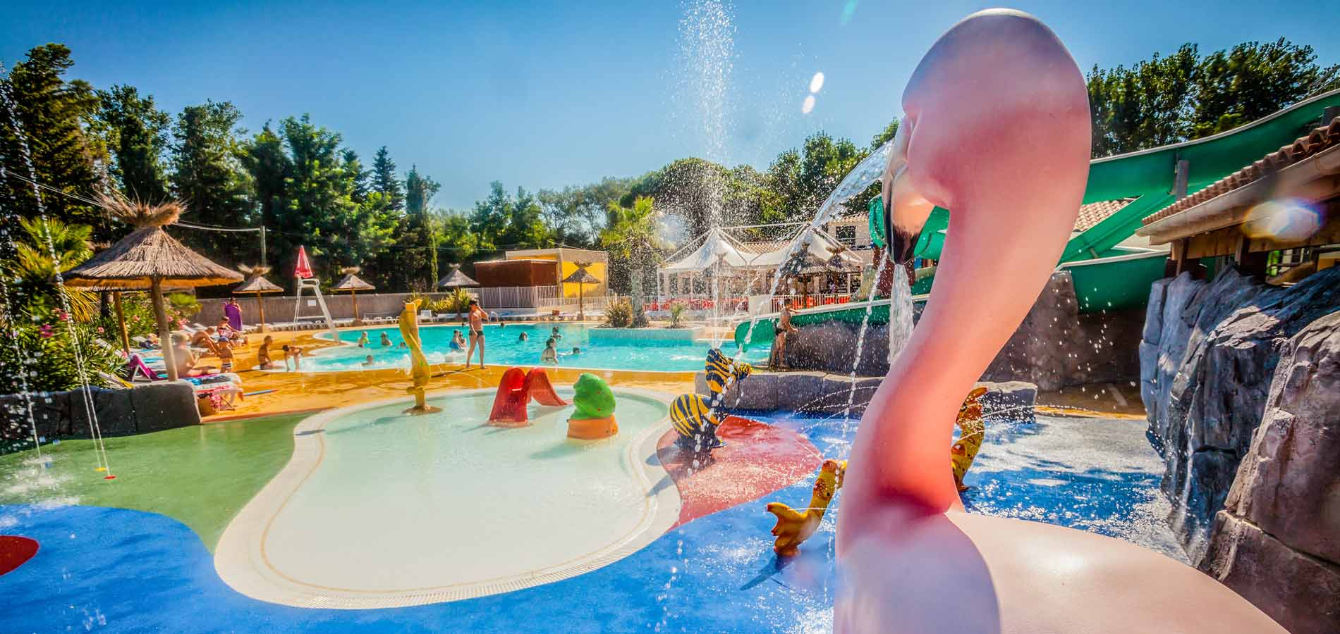 Camping h rault camping 4 toiles vias vacances vias for Piscine olympique montpellier